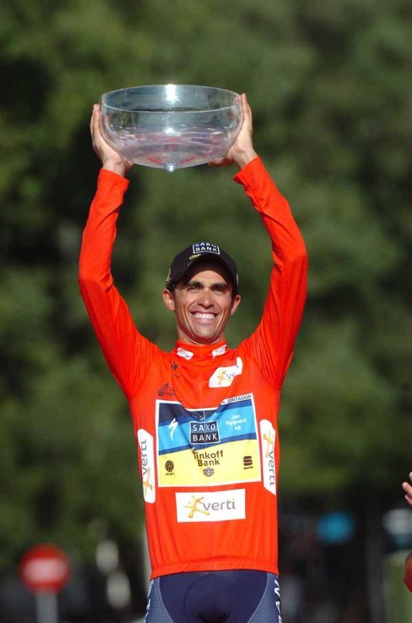 Alberto Contador wins the Vuelta a España