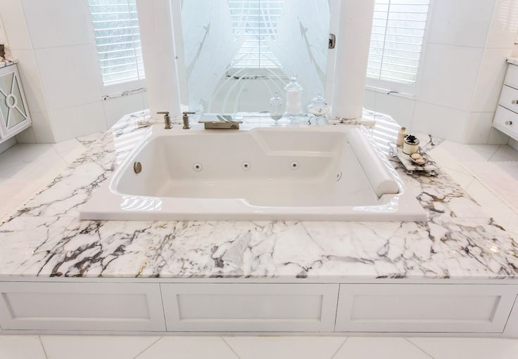 Gorgeous White Marble Bath Tub #bathroom #bath #bathtub #luxury #marble #statuario #white #southflorida #natureofmarble #delraybeach #marblebathroom #marblebath #marbletub