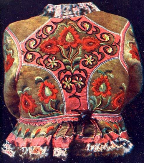 Back of a woman's Kodmon with applique and embroidery decoration, Cigánd, Zemplén county