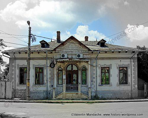 Little Paris style house in Targoviste. south east Romania