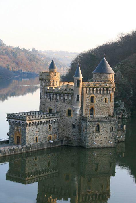 branquenoteno – Castelos e casas senhoriais – #branquenoteno #Castles # Manors   – Arquitetura