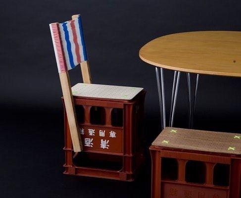 椅子の話は本当に尽きなくて例えば民具木平のこんな一升瓶の空き箱をひっくり返したのだって椅子アイデア次第でいろんなものが椅子になってしまうんだ by popeye_magazine_official