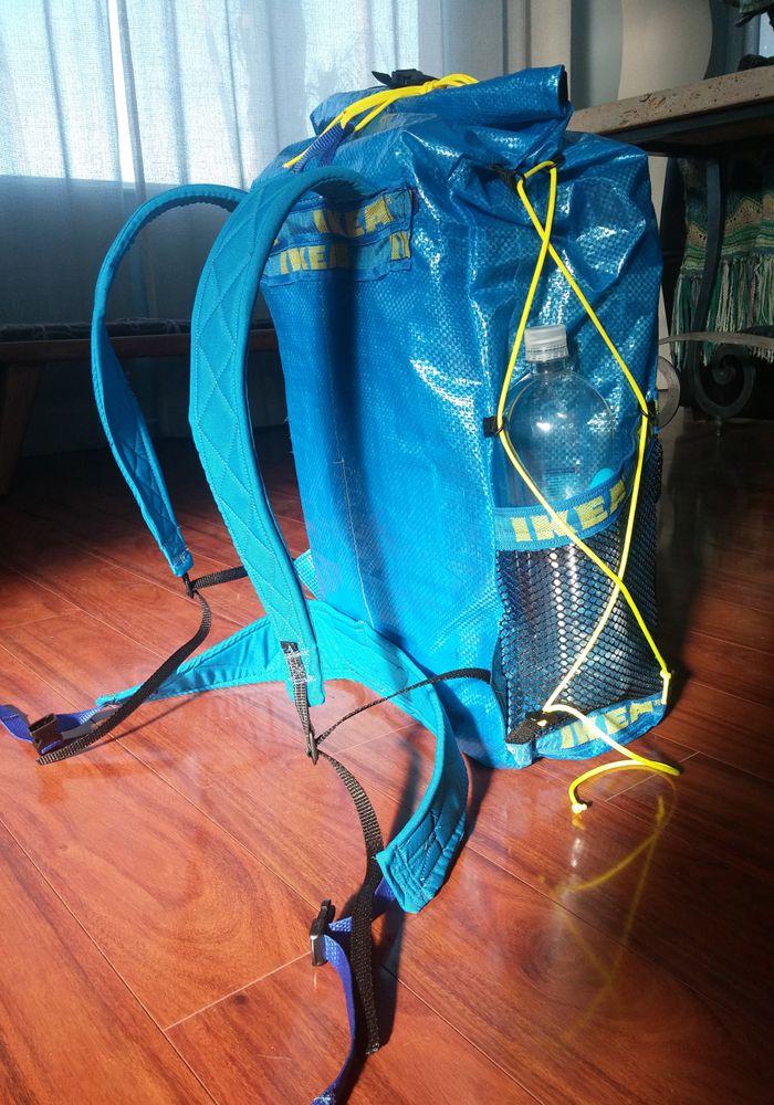 Ein Trekkingrucksack aus IKEA Taschen. Anleitung auf der Seite - ein irre tolles Projekt!