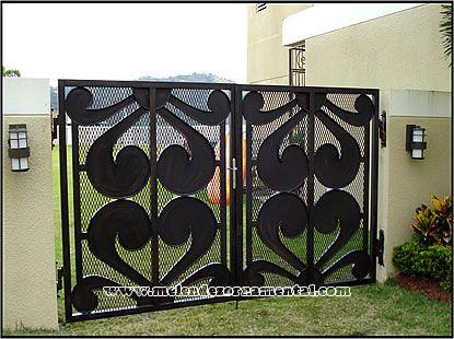 17 best images about garage doors on pinterest puerto - Verjas de seguridad ...
