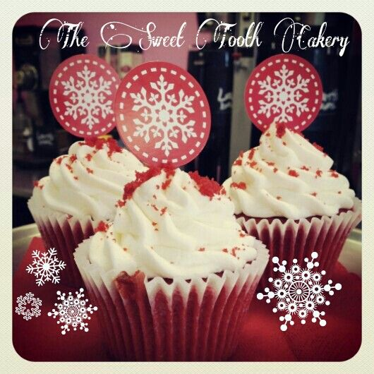 Red velvet holiday cupcakes. | The Sweet Tooth Cakery. | Pinterest