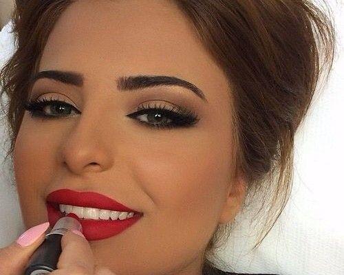 Make-uptrend 2015: matte oogmake-up | kapsels 2015-korte kapsels 2015 2016 - haarkleuren - kapsels voor dames - mannenkapsels - kinderkapsels - communiekapsels - bruidskapsels - online - modetrends 2015