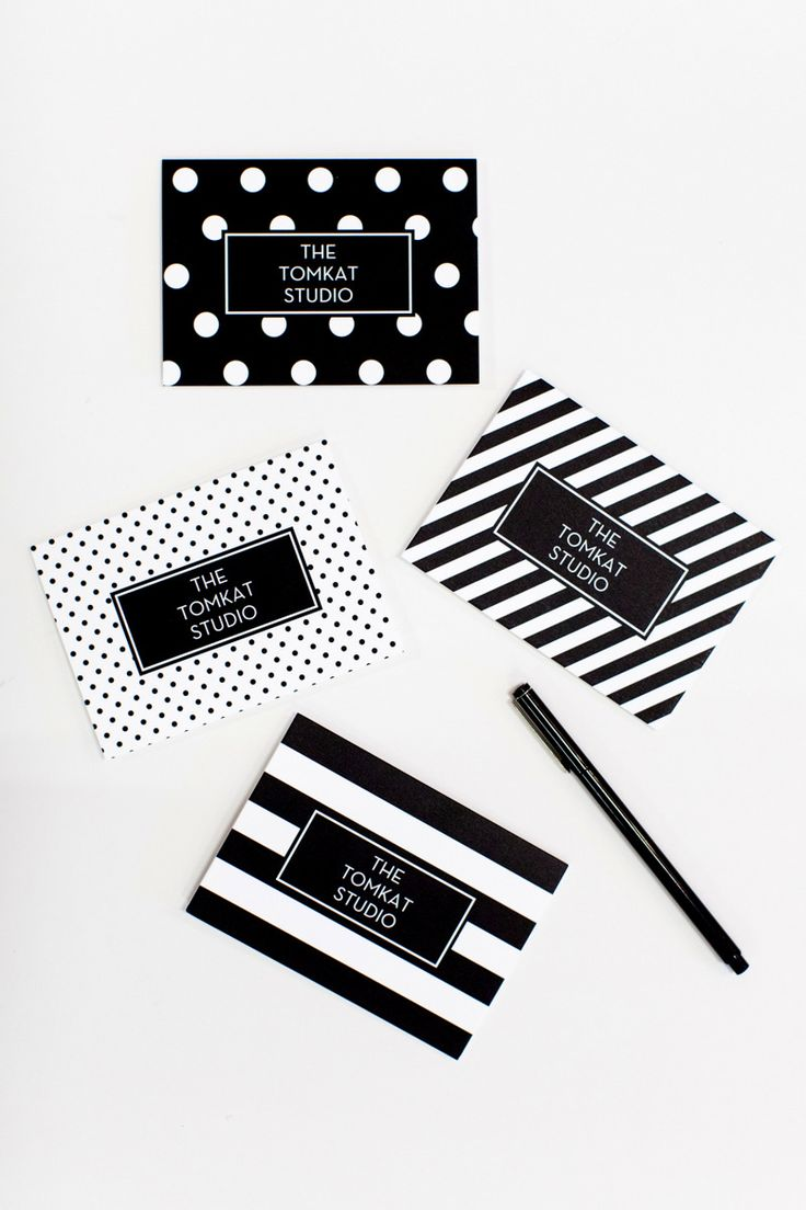 Kim added to her black and white theme by creating personalized thank you cards with Shutterfly. We love the mix and match set she chose.