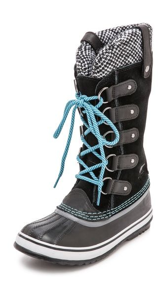 If I lived somewhere with a real winter I would get these in a heartbeat. // Sorel Joan of Arctic Knit Boots