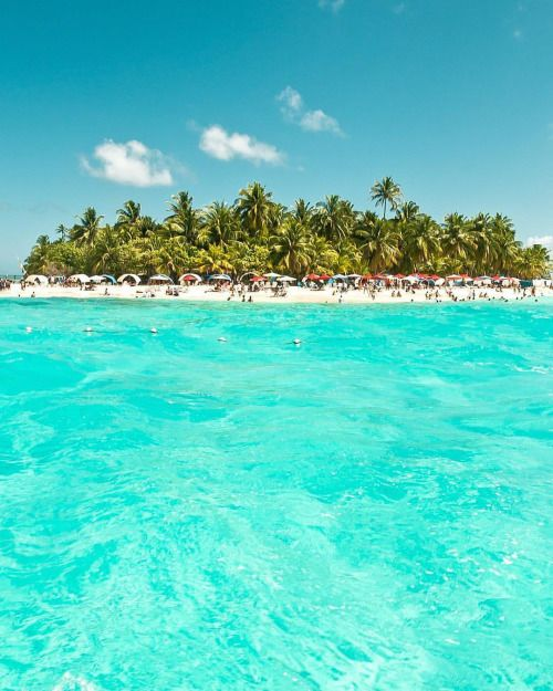 Coral Islet of Johnny Cay  San Andrés Island #Colombia. Photo...