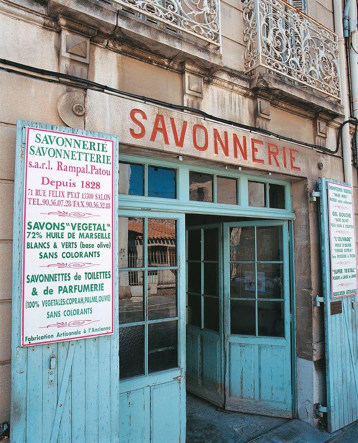 Les 281 meilleures images propos de provence sur for Train marseille salon de provence