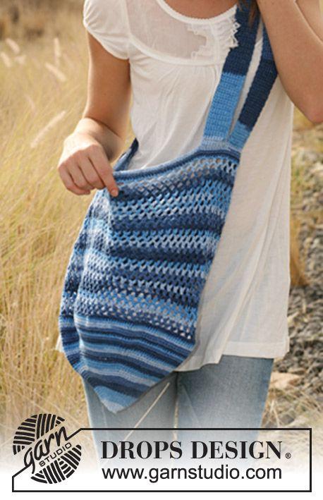 "Crochet DROPS bag in ""Muskat Soft""."