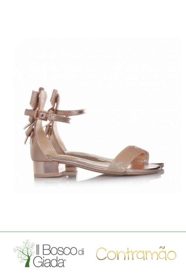 Sandalo rosa Contramao Cerimonia - Sandalo rosa in glitter e pelle, con chiusura con fibbia attorno alla caviglia, applicazione di fiocchetti decorativi sul retro e suola in gomma Contramao. #scarpeperbambini #scarpeContramao #contramao #scarpecerimonia