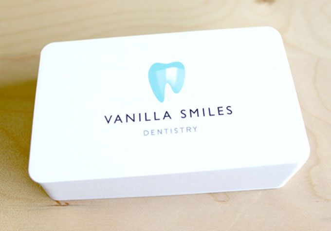 Vanilla Smiles - Spot UV Varnish Business Card - Business Card Design Inspiration | Card Nerd