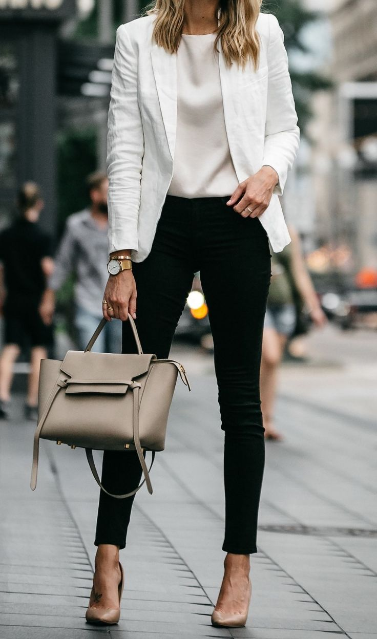 black and white outfit with nude details including beautiful pumps