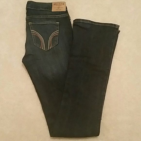 Hollister Co Skinny Boot Jean Hollister jean. Looks like a boot cut but a little skinny. Just use your best judgment from pic :) if you want more just ask! Hollister Jeans Boot Cut