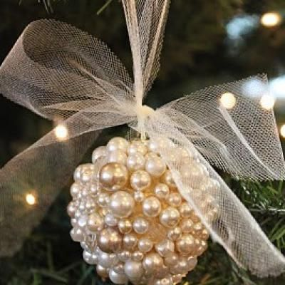 Pearl Cluster Ornament DIY {Christmas Ornaments} tipjunkie.com