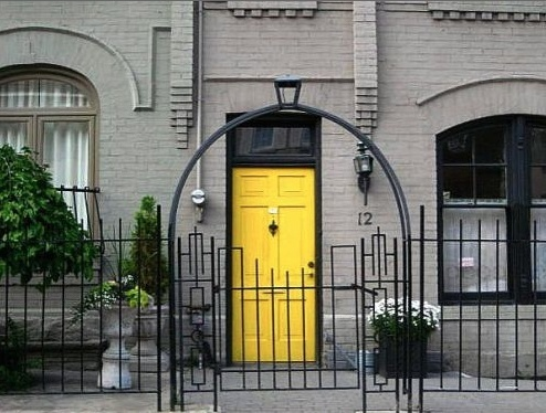 Colourful Front Doors    http://cuphalffull-sf.blogspot.com/#