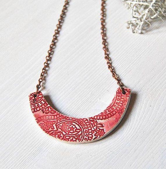 Ceramic necklace indian texture pink Arualceramics