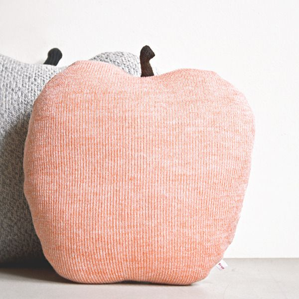"""Image of Coussin """"Apple"""" pêche"""