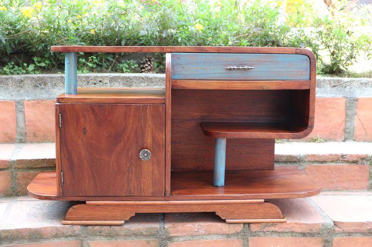 Pequeño mueble multifuncional en estilo ArtDecó, restaurado en ArtefactoAtelier.