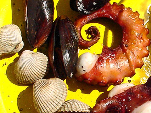 Grillade musslor och bläckfisk (kock recept.nu)