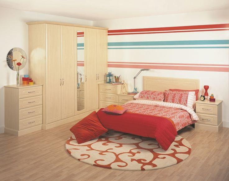 Are you in need of brightening up your home this Spring? Here at Universal Interiors we can help!  Here is an example of one of our made to measure wardrobes in a fresh and elegant birch wood.  Book a home visit now for a free no obligation quote and receive 20% off retail price!  Call us on: 0800 112 3760  #Interiors #bespoke #fittedbedroom #homeoffice #Glasgow #furniture #interiordesign #homedesign #wardrobes #officedesign #Friday #Fridayfeeling #Friyay #Fridayvibes #FeelgoodFriday…