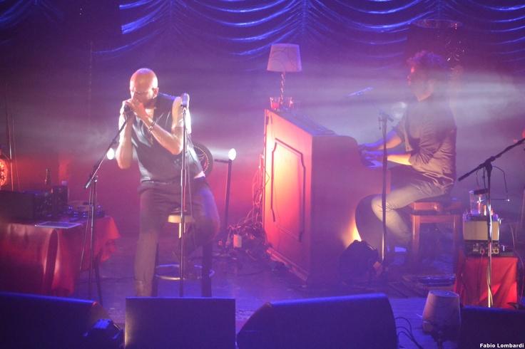 Negrita - Recensione e scaletta Varese - http://www.rockon.it/concerti/reportage-live/reportage-live-foto-e-scaletta-negrita-unplugged-in-concerto-a-varese/