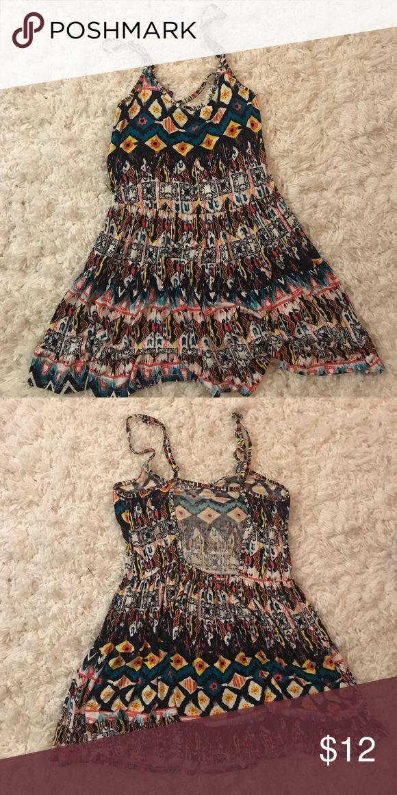 Tobi sundress Tobi sundress. Worn once. Aztec print. Great for the beach! Adjustable straps, open back. Size small. Tobi Dresses