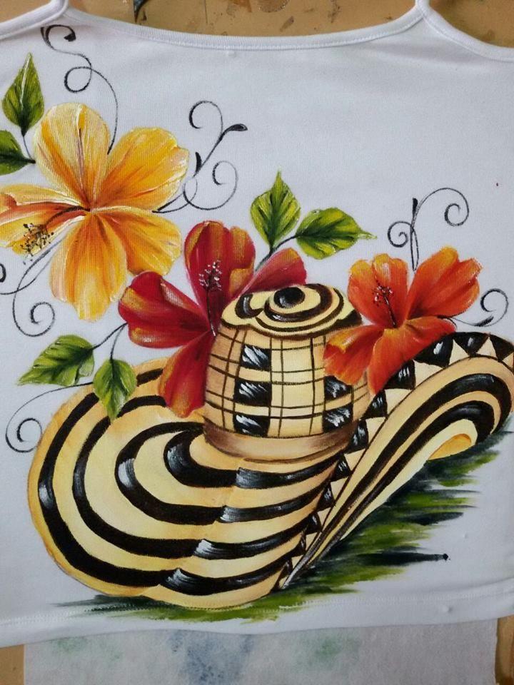 Camiseta de tirita pintada a mano por Matty Juliao