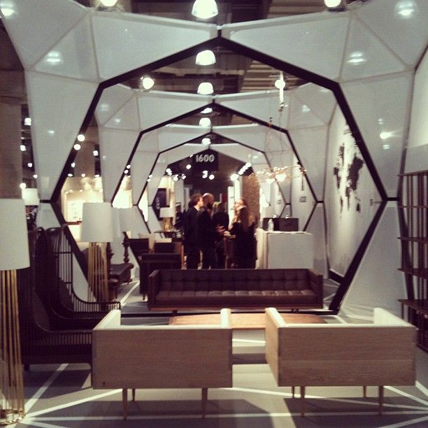 Digging the hexagonal exhibition structure featuring Autoban's pieces for De La Espada #design