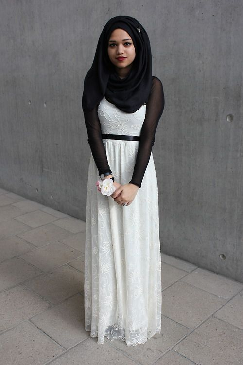 hijabonita:    saimasmileslike:    Prom:) My belt kinda moved out of place but whatever, I just freaking love this dress!    Why can't I just look like you though?