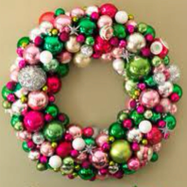 173 best holiday magic images on pinterest christmas decor christmas ball wreath diy solutioingenieria Images