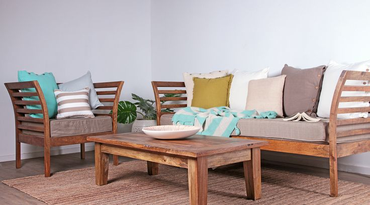 Spring Vibes Only! The Samson Daybed and Chair are a must for outdoor entertaining this Spring.
