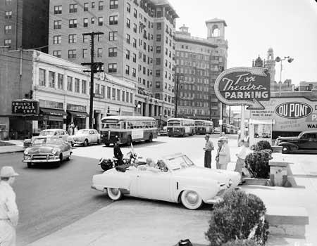 1951 picture of the Georgian Terrace Hotel.: Atlanta Places, Atlanta Locs, Atlanta Blessed, Favorite Atlanta, Vintage Photo, 1951 Pictures, Beginnings Atlanta, Foxes Theater, Atlanta Stuff