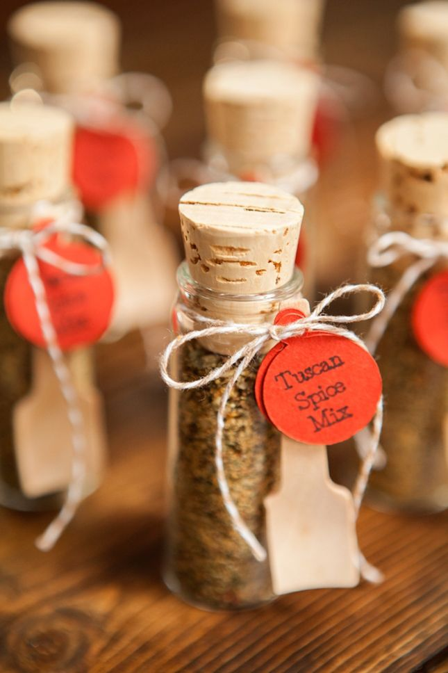 Pack these adorable little glass jars with spices from a family recipe to give your wedding guests a tasty punch.