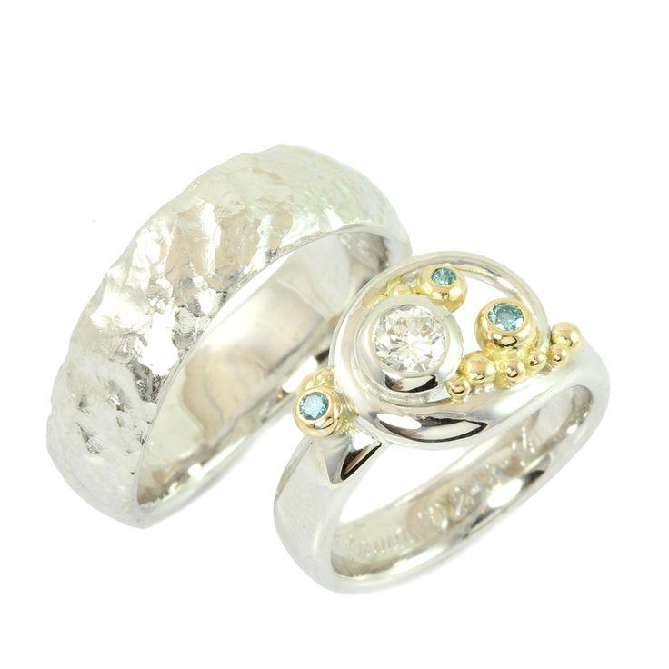 Galleri Castens - Fairytale wedding rings with blue diamonds
