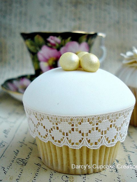 Pearl cupcake by Darcy's Cupcake Creations, via Flickr