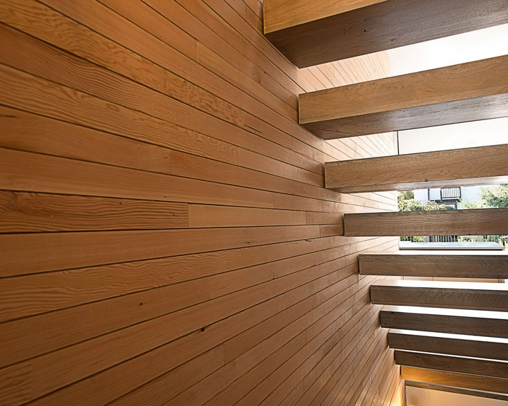 Great stairs for narrow stairwell