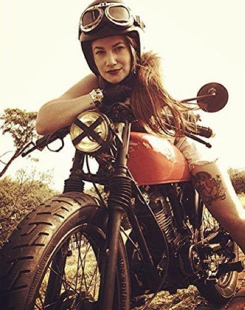 Cafes aver girl biker www.motorbikingclub.com