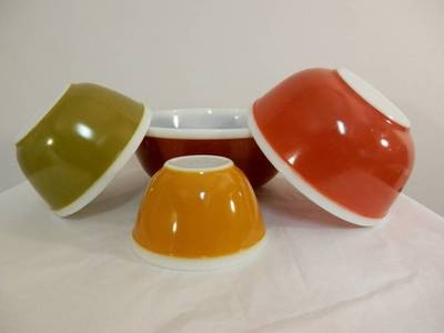 Set of 4 Vintage Americana Pyrex Nesting Mixing Bowls in Harvest Colors