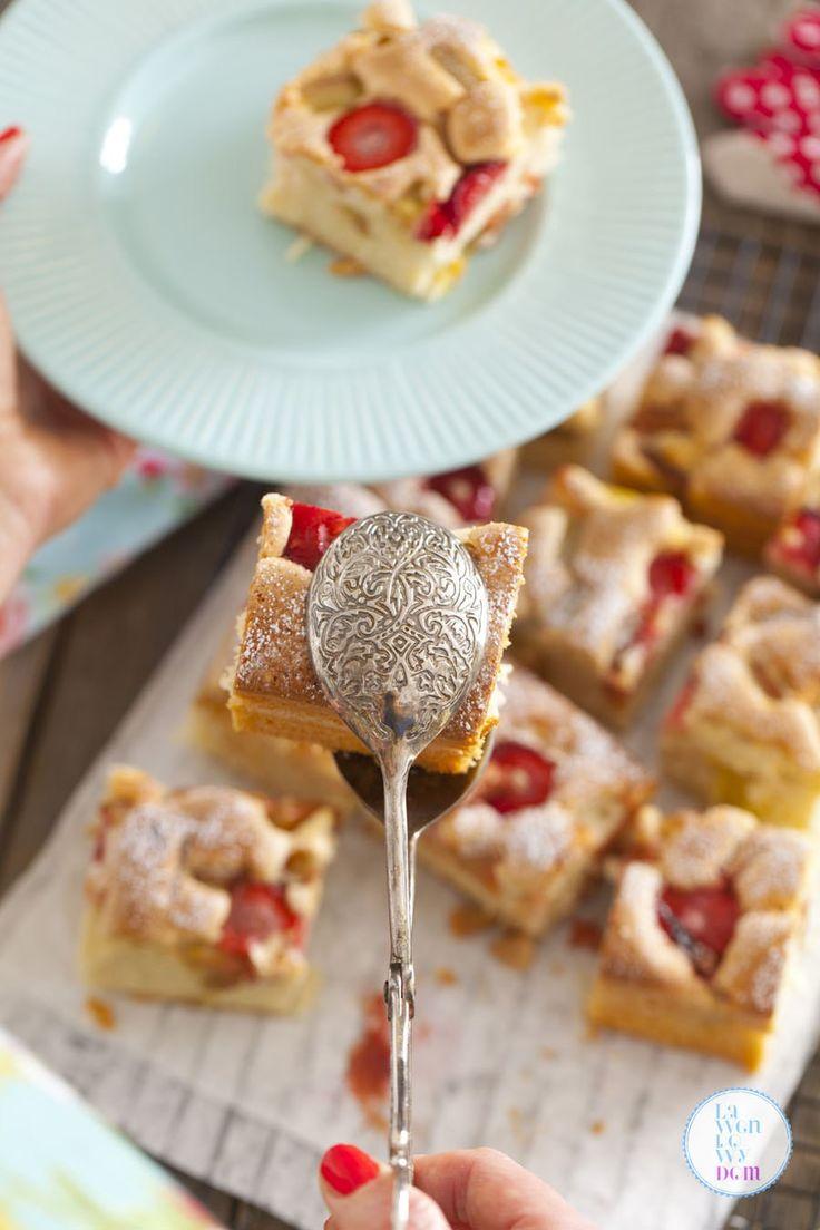 Błyskawiczne ciasto z rabarbarem na oleju - Lawendowy DomLawendowy Dom