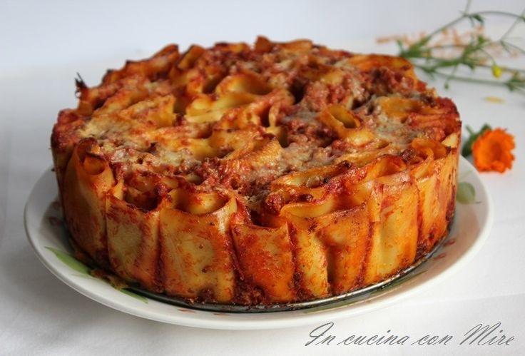 Torta di pasta Torta di pasta al forno, ecco a voi la torta di pasta al forno in versione nuova e farete un figurone con i vostri ospiti, invece delle solite lasagne, … Continua a leggere→