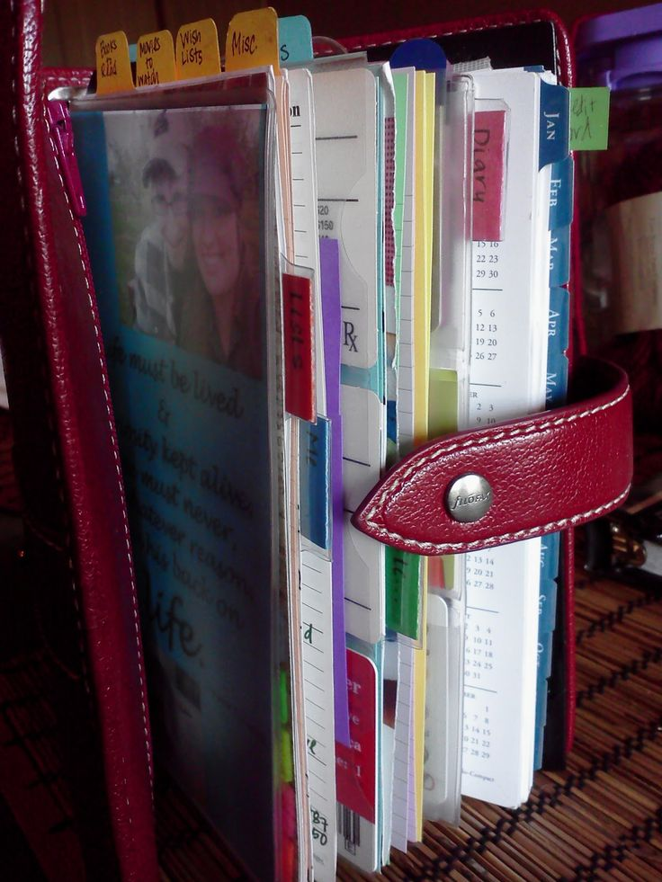 I'm a little old-school in that I love paper, pens, and paper organization. This blog, which includes Filofax organisation ideas is really fun to read--even when she's not waxing poetic over her Filofax.
