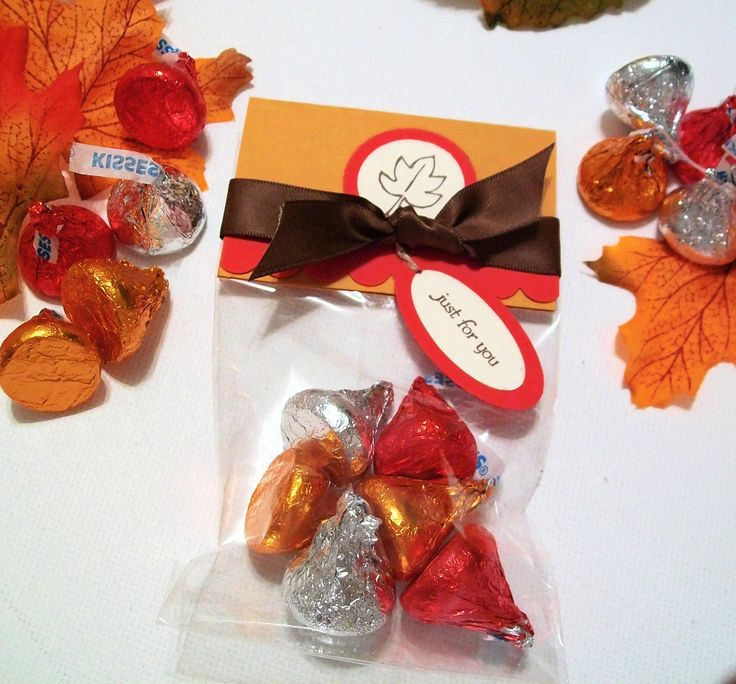 Autumn Harvest Treat Bags and Toppers (Set of 12) - Thanksgiving Party Favors or Table Decorations. $12.00, via Etsy.