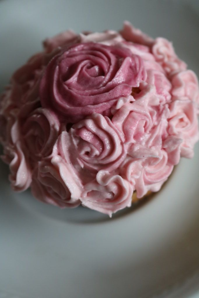 Swirl Rose Cupcakes - Gingerbread Studio