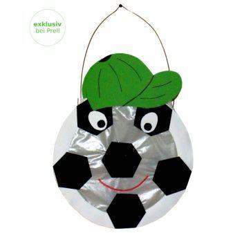 Laternen Bastelset Fußball von Prell Versand  http://www.prell-versand.de/Basteltechniken/Bastelmaterial/Laternen/Bastelsets-222/Laternen-Bastelset-Fussball-D--20-cm--6-Stueck.html