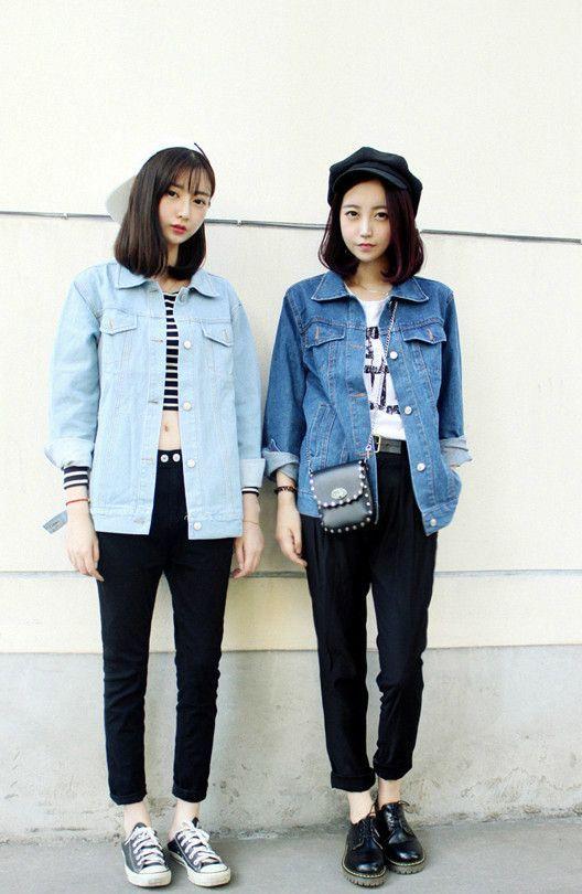 black jeans+denim jacket+white top