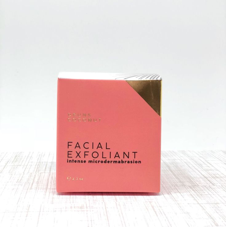Custom printed box for @drunkcoconutco 's Facial Exfoliant. The addition of gold foil and contrasting sides give this packaging a very modern and clean look and feel. Inquire today about your packaging option with YourBoxSolution.com