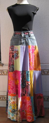 Skirt made of lots of coloured t-shirts, and the upper part of a jeans.  Falda hecha con camisetas de muchos colores, y la parte superior de un vaquero.~~