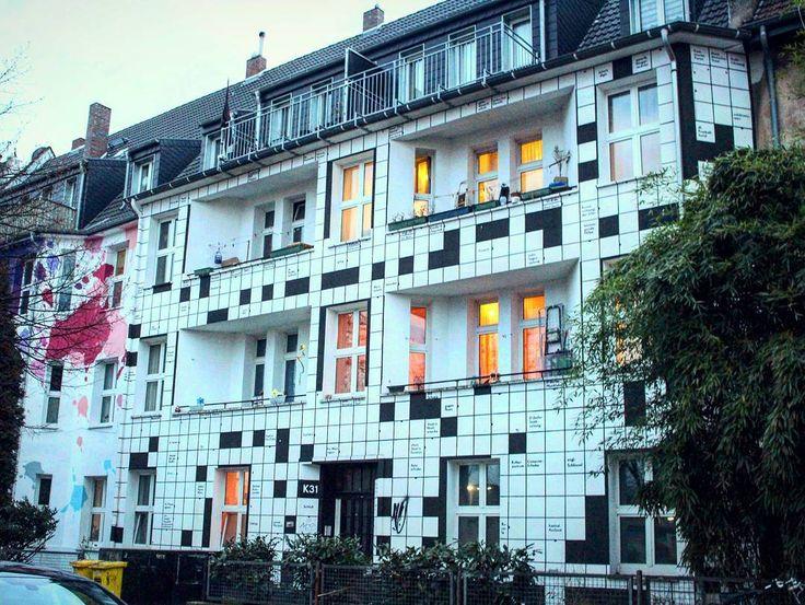 Aliona Esenina (@eshelenny) в Instagram: «С такими фасадами получается отличная разминка для памяти и мозга🎓 #house#кроссворд#germany…»